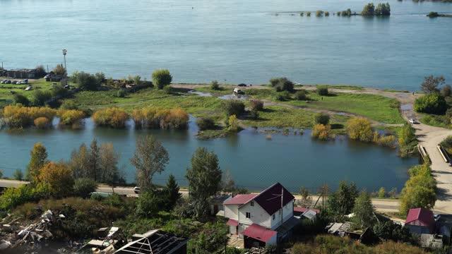 vídeos de stock e filmes b-roll de panorama of the city landscape with a view of the angara river. irkutsk, russia - irkutsk