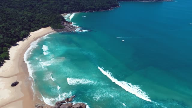 panoramic view of bay of paraty in the sunny day, rio de janeiro, brazil. great landscape. travel destination. vacation travel. tropical travel. - paradiso video stock e b–roll