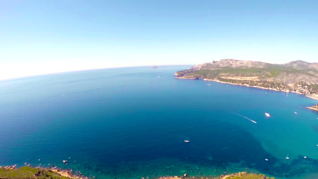 stockvideo's en b-roll-footage met panoramic view of cassis and calanque coast - marseille