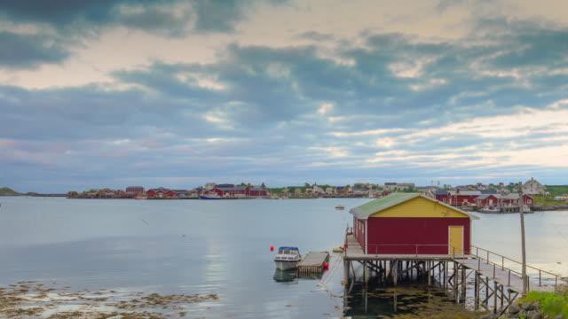vídeos de stock e filmes b-roll de panoramic view of lofoten islands in norway with sunset scenic - reine