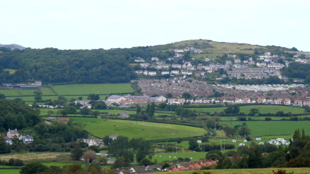 Bидео Panoramic view of North Wales town Penrhyn Bay