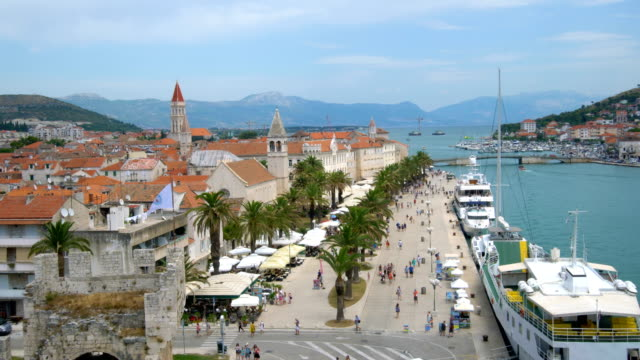 Vista panorámica del casco antiguo de Trogir en Croacia - vídeo