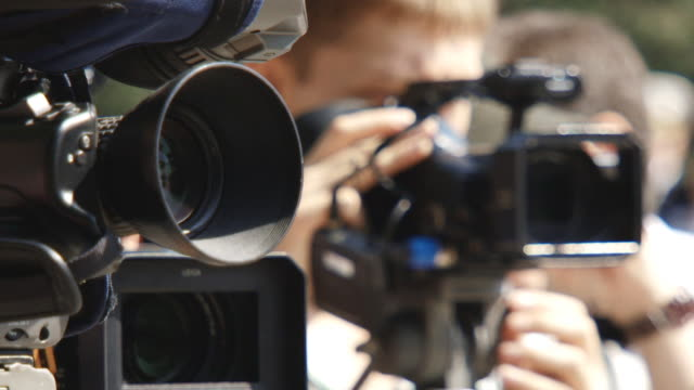 「パパラッチ」での作業 - ジャーナリスト点の映像素材/bロール