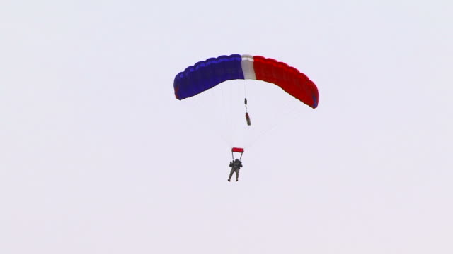 Parachutist video