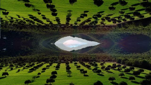 平行宇宙。 - 人の居住地点の映像素材/bロール