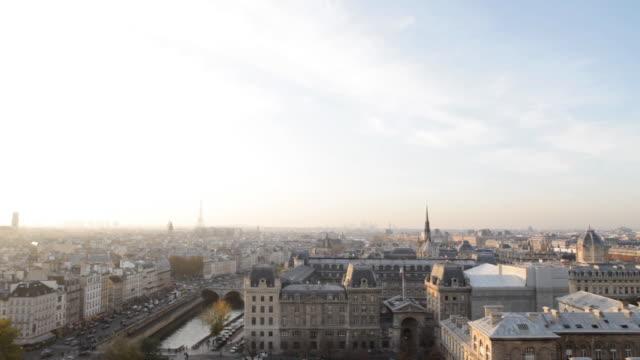 panorama di parigi - gargoyle video stock e b–roll