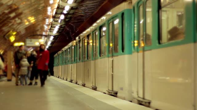 Paris metro - fast motion
