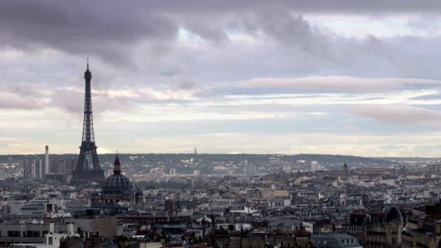 paris panroama från montmartre - montmatre utsikt bildbanksvideor och videomaterial från bakom kulisserna
