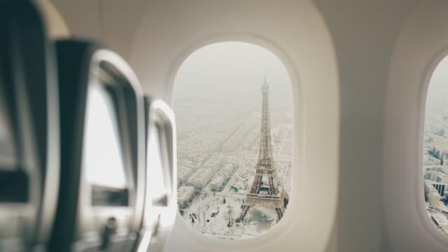 vidéos et rushes de paris vu de l'avion. - tour eiffel