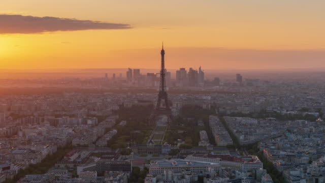 Paris skyline dusk to night 4k time lapse (zoom out)
