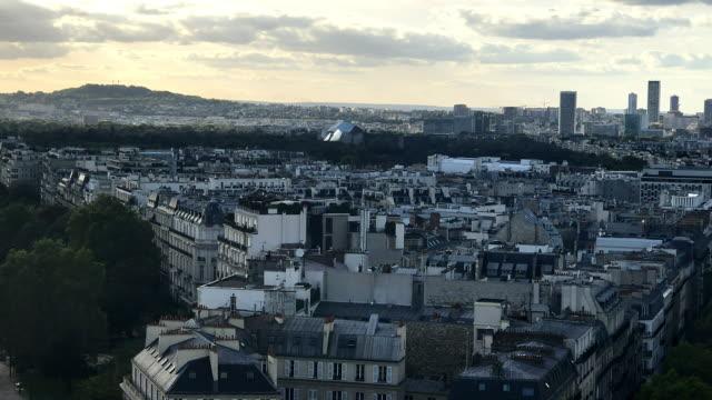 paris skyline - montmatre utsikt bildbanksvideor och videomaterial från bakom kulisserna
