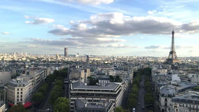 skyline von paris - panorama stock-videos und b-roll-filmmaterial