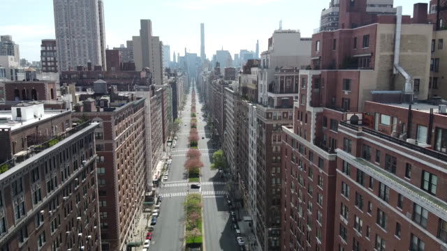 park avenue during coronavirus pandemic 1 - space video stock e b–roll