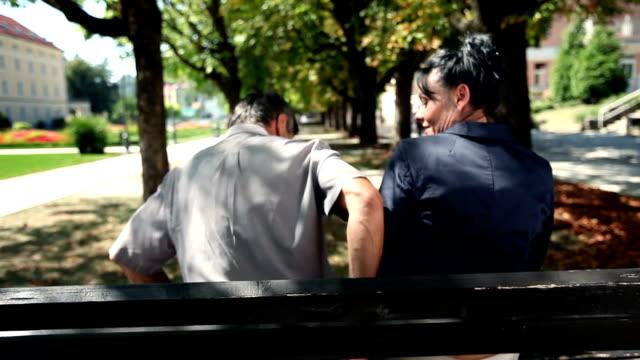 hd -: park - teurer lebensstil stock-videos und b-roll-filmmaterial