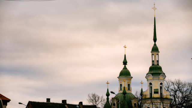 parnu, estonia. time lapse timelapse time-lapse of old st. catherine's church is russian orthodox church. famous attraction landmark. clouds fast moving in sky - kate middleton filmów i materiałów b-roll