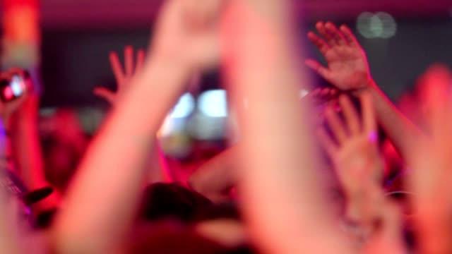 сторона руки - браслет стоковые видео и кадры b-roll