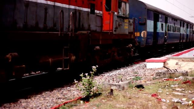 passenger train in rural india - intercity filmów i materiałów b-roll