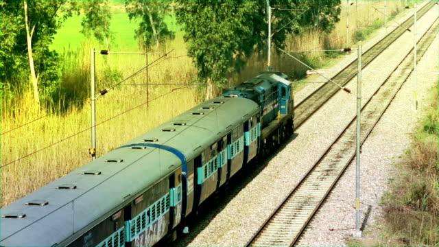 pociąg osobowy - intercity filmów i materiałów b-roll