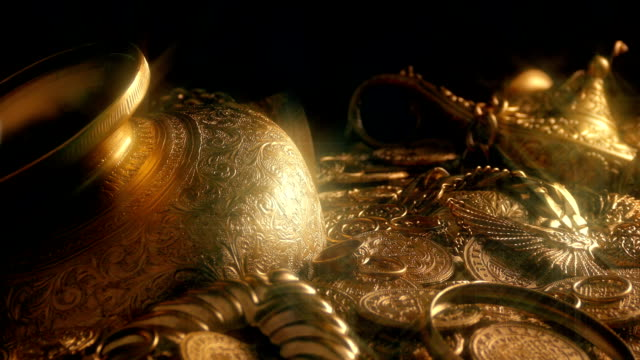 Passing Gold Treasure Pile Spakrling