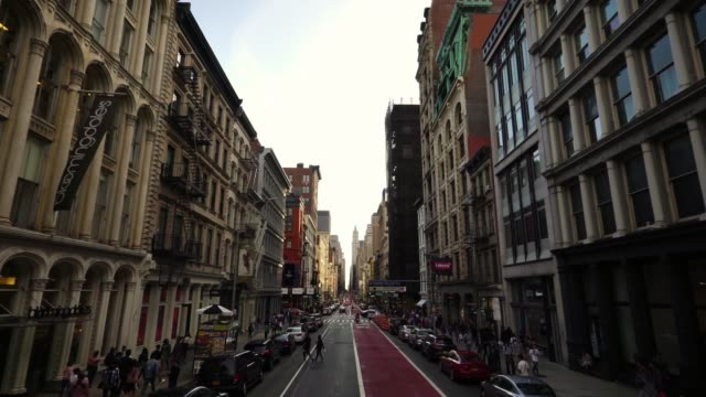 passing historic buildings in soho nyc new york city manhattan street dolly shot - dolly shot video stock e b–roll