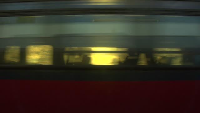 passa treno. loopable - passare davanti video stock e b–roll