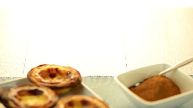 pastel de nata - vaniljsås bildbanksvideor och videomaterial från bakom kulisserna