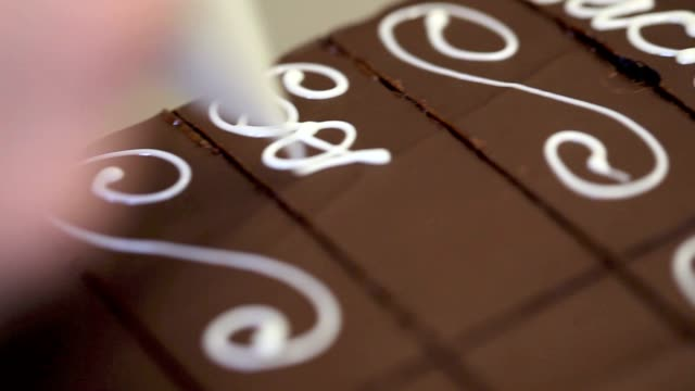 pastry hands make the sacher cake video