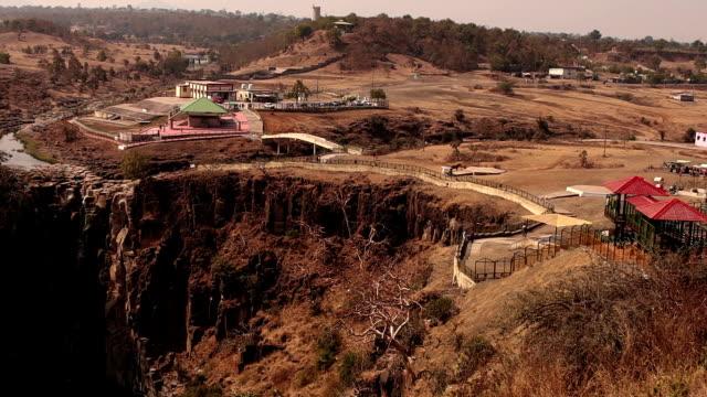 patalpani waterfall in mhow tehsil, indore (madhya pradesh) - madhya pradesh filmów i materiałów b-roll