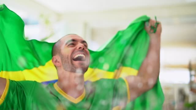 Patriotism and celebration of a Brazilian young fan video