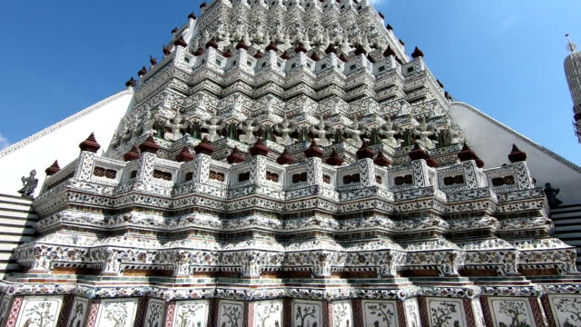 Patterns and characteristics of Wat Arun in Bangkok, Thailand Patterns and characteristics of Wat Arun in Bangkok, Thailand. southeast stock videos & royalty-free footage