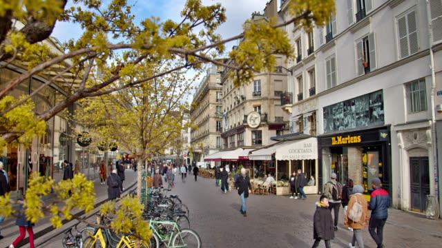 pedestrian walking street. paris - cultura francese video stock e b–roll