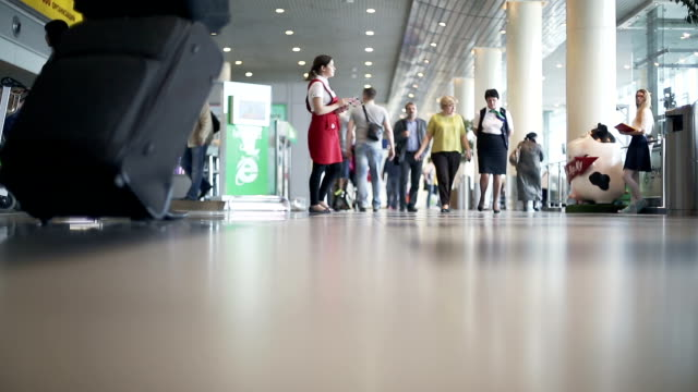 stockvideo's en b-roll-footage met moscow, russia - may 22, 2015: people at the airport - schiphol