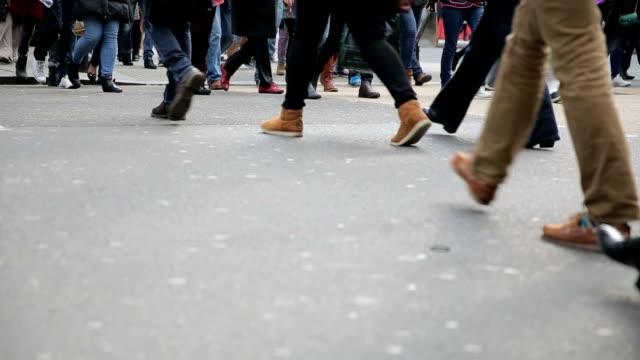 people cross street in london video