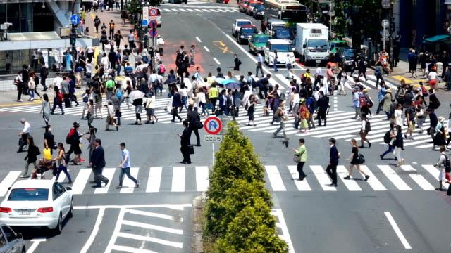 人々の渋谷交差点 - 交差点点の映像素材/bロール
