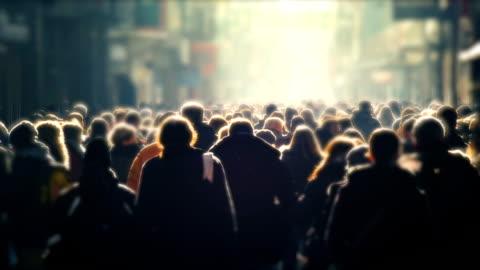 vídeos y material grabado en eventos de stock de gente, muchedumbre de compradores unreconizable de calle, día - multitud