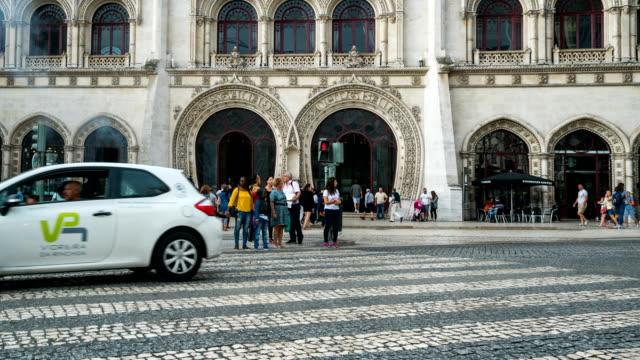 T/L Menschen zu Fuß in der Innenstadt von Lissabon, Portugal – Video