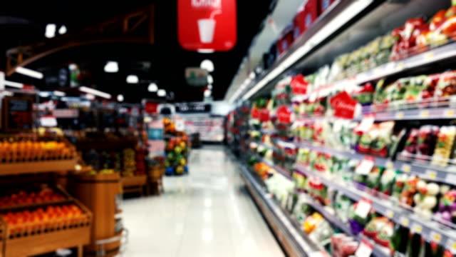 peruanska oskärpa stormarknad producerar hyllor - dagligvaruhandel, hylla, bakgrund, blurred bildbanksvideor och videomaterial från bakom kulisserna