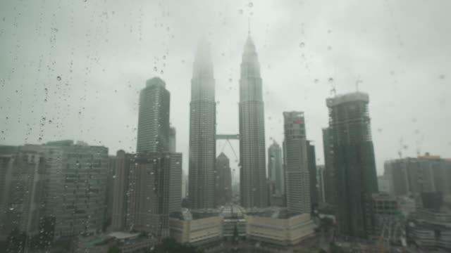 petronas twin towers - petronas twin towers bildbanksvideor och videomaterial från bakom kulisserna