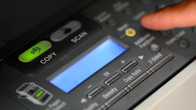 vídeos y material grabado en eventos de stock de fotocopiadora digital - copiar