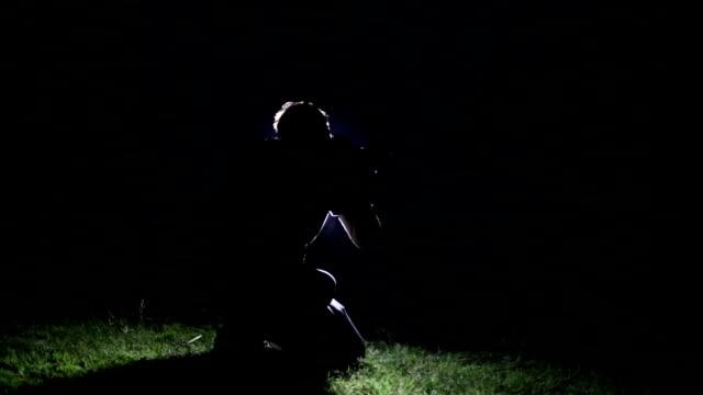 fotograf som arbetar i natt - haryana bildbanksvideor och videomaterial från bakom kulisserna