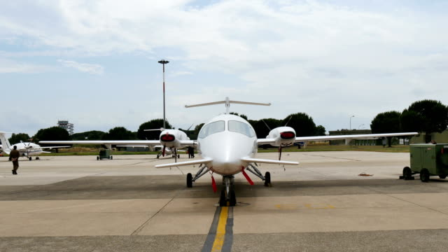 piaggio p180 avanti twin engines turboprop aircraft of italian air force - {{relatedsearchurl(carousel.phrase)}} video stock e b–roll