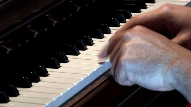 Piano 327 - Chopsticks video