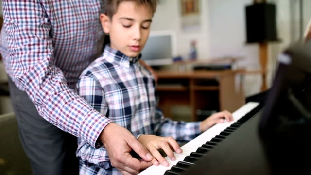Piano lesson video