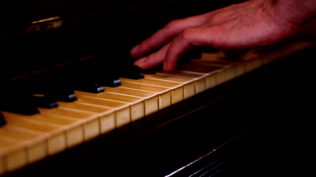 Piano player (HD) video