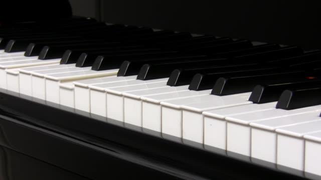 Piano playing itself video