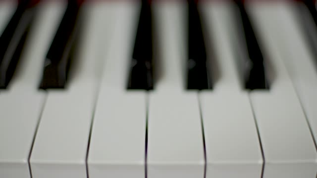 vídeos de stock e filmes b-roll de pianoforte tasti - piano
