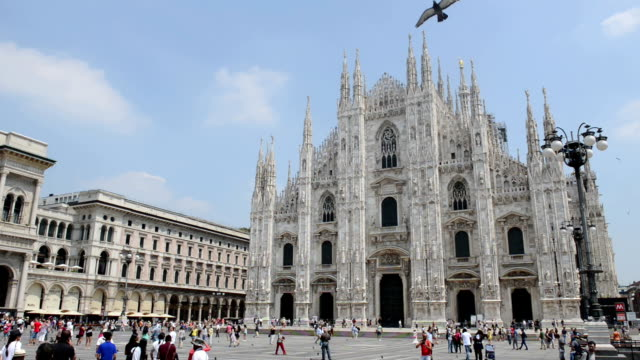 piazza del duomo milan - katedral stok videoları ve detay görüntü çekimi