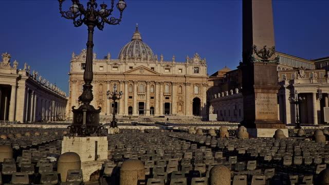 piazza san pietro. vatikanen, rom, italien - peter the apostle bildbanksvideor och videomaterial från bakom kulisserna