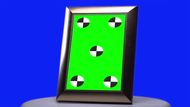 Picture frame Green screen tracking marks Blue screen background video