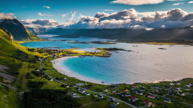 vídeos de stock e filmes b-roll de aerial: picturesque fjord with idyllic beach at the lofoten islands in norway - lofoten